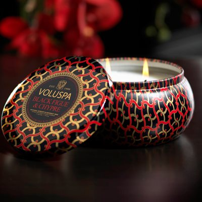 VOLUSPA CANDLE in Black Figue & Chypre (Maison Noir-2 Wick with Decorative Tin)