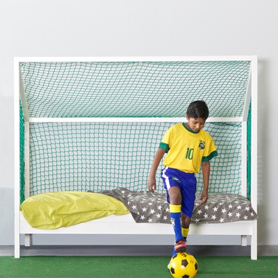 KIDS FOOTBALL BED in Unbrushed White Pine