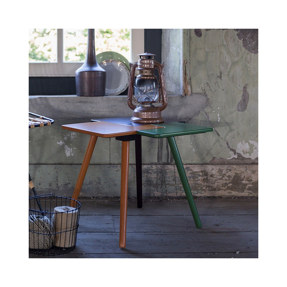 Triple side table side coffee tables cuckooland for Funky home decor accessories