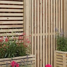 Garden-Screen-with-Vertical-Slats.jpg