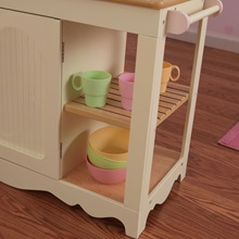 Girls-Toy-Kitchen-With-Love-Hearts-Detail-3.jpg