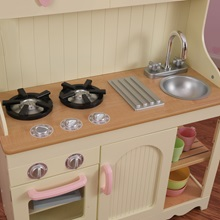 Girls-Toy-Kitchen-With-Love-Hearts-Detail.jpg