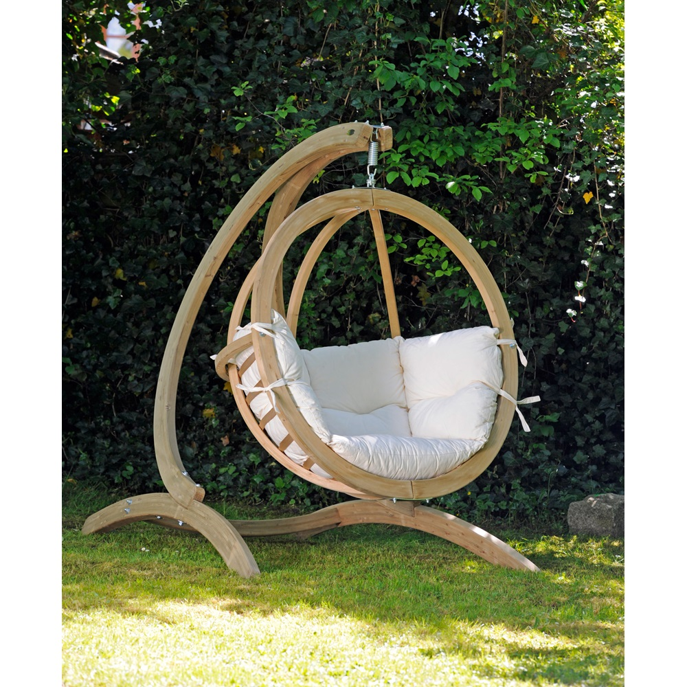 globo hanging chair stand in natural garden furniture. Black Bedroom Furniture Sets. Home Design Ideas