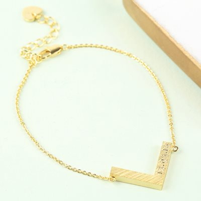 PERSONALISED CHEVRON BRACELET in Gold