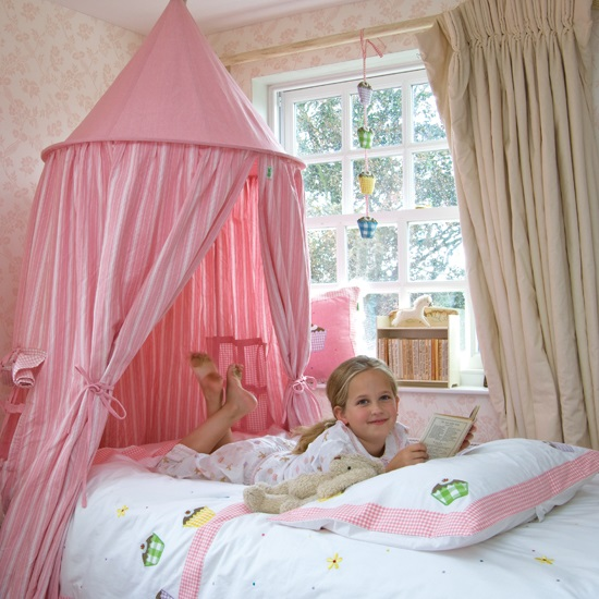 hanging play tent childrens kids bed canopy in cherry red. Black Bedroom Furniture Sets. Home Design Ideas