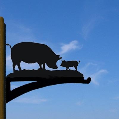 HANGING BASKET BRACKET in Pig Design