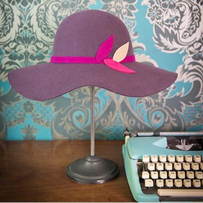 TWIGGY Pure Wool Designer Women's Hat in Aubergine