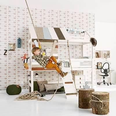 HIGH TREEHOUSE FEATURE BED with Rope Ladder