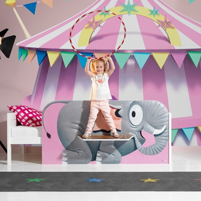 ILLUSTRATED CIRCUS KIDS BED