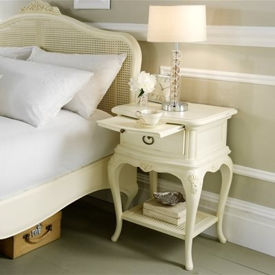 WILLIS & GAMBIER IVORY SMALL BEDSIDE TABLE with Drawer