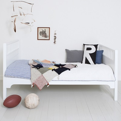 CHILDREN'S LUXURY JUNIOR BED in White
