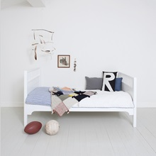 Junior-Shorty-Bed-Single-White.jpg