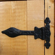 Kids-Blue-Wooden-Playhouse-Hinge.jpg