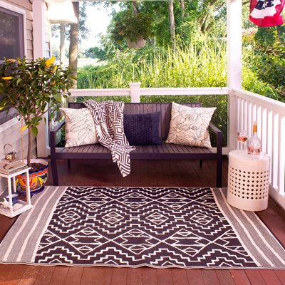 KILIMANJARO OUTDOOR RUG in Black