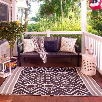 Fab Hab Kilimanjaro Outdoor Rug in Black