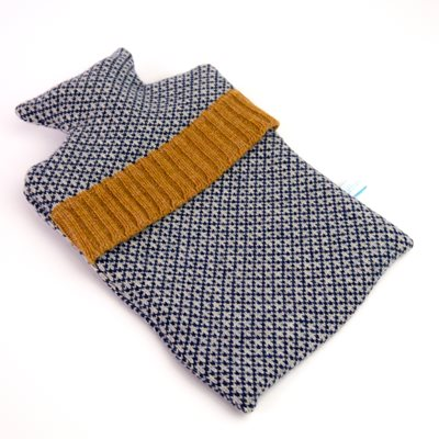 KNITTED LAMBSWOOL HOT WATER BOTTLE COVER Navy Check