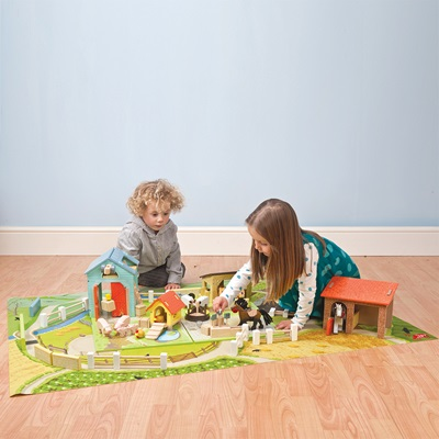 LE TOY VAN GIANT FARM PLAYMAT