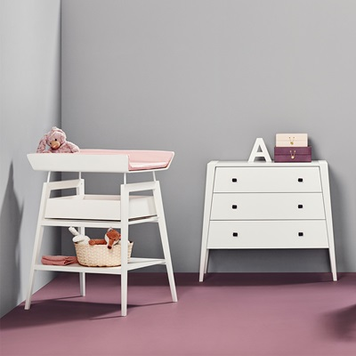 LINEA CHANGING TABLE WITH FOAM MAT in White