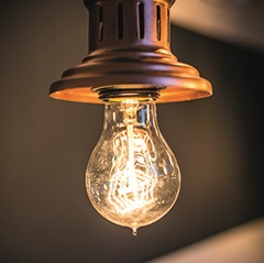 VINTAGE LIGHT BULB in Quad Loop Shape