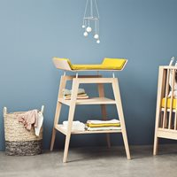 LINEA CHANGING TABLE WITH FOAM MAT in Solid Oak
