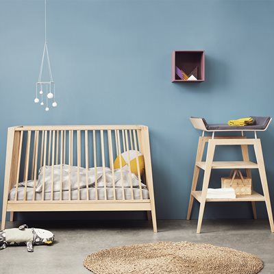 LINEA BABY COT in Solid Oak
