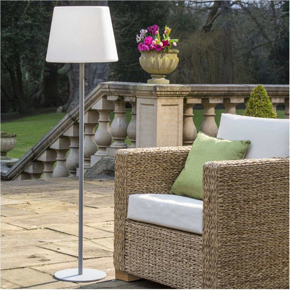 luma high external garden lightjpg - Garden Furniture Kings Lynn
