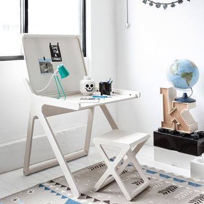 K DESIGNER KIDS DESK in Whitewash Wood