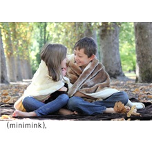 MINIMINK-Milk-Faux-Fur-Throw-Wrap-Rug_2.jpg