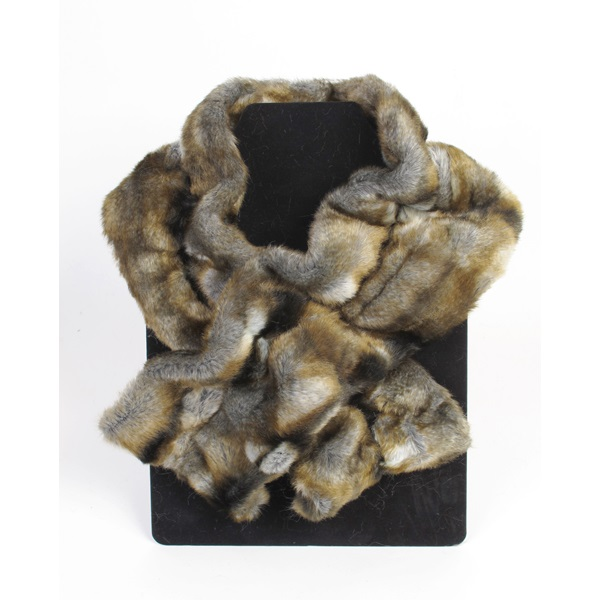 MOORE-and-MOORE-FAUX-FUR-Ruffle-Scarf-in-Nebraska_1.jpg
