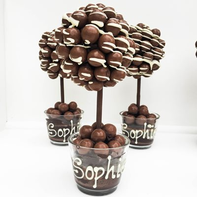 PERSONALISED MALT DRIZZLE CHOCOLATE SWEET TREE