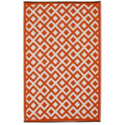 FAB HAB MARINA OUTDOOR RUG in Cherry Tomato & White