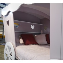 Mathy-Princess-Carriage-Bed.jpg