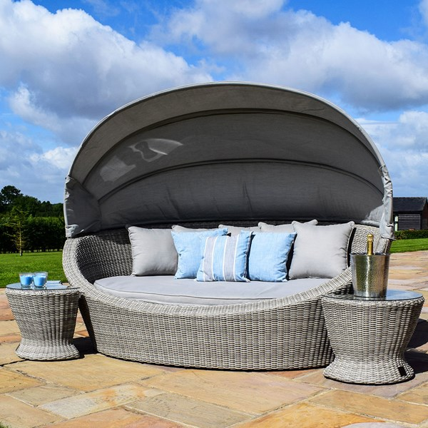 Oxford Outdoor Day Bed