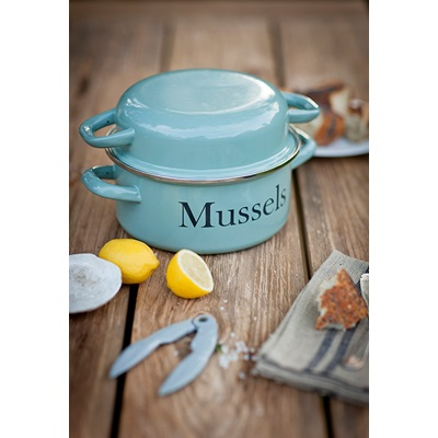 Enamel Kitchen Accessories: Enamel Mussel Pot In Shutter Blue