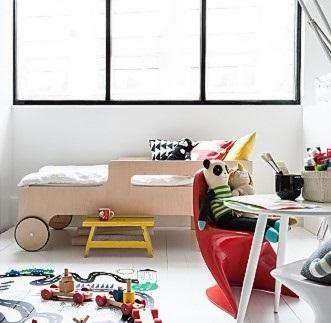 R DESIGNER TODDLER BED in Natural Finish