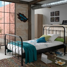 New-York-Black-Metal-Bed-Frame.jpg