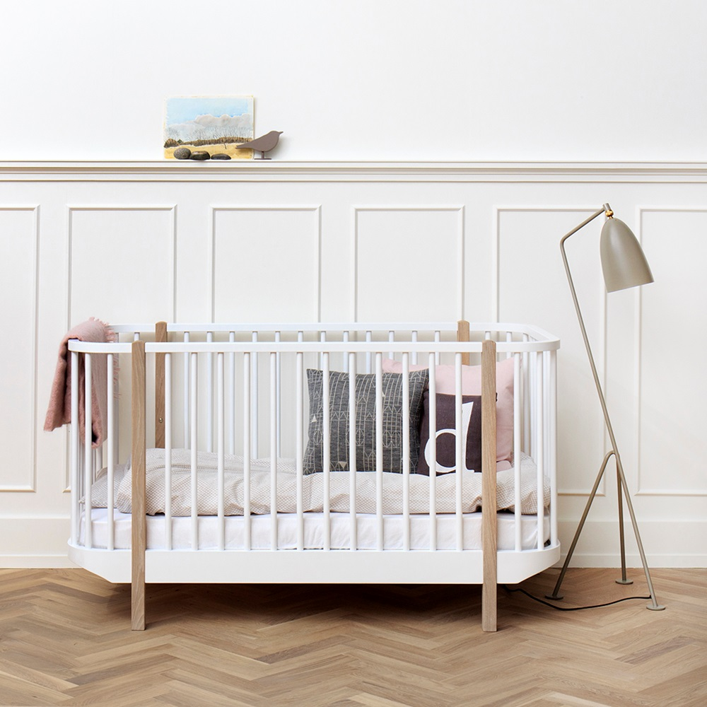 baby toddler luxury wood cot bed in oak cots cot. Black Bedroom Furniture Sets. Home Design Ideas