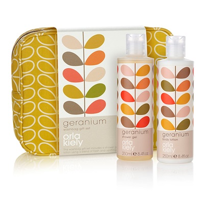 Orla Kiely Wash Bag Gift Set in Geranium
