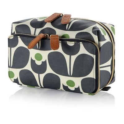 Orla Kiely Medium Wash Bag in Wallflower