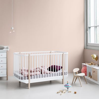 BABY & TODDLER LUXURY WOOD COT BED in Oak and White