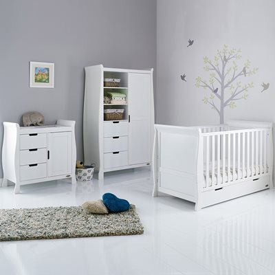 OBABY STAMFORD SLEIGH COT BED 3 PIECE NURSERY SET in White with Free Mattress