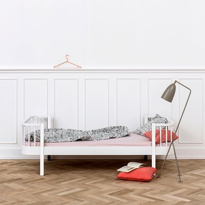 CONTEMPORARY WOOD SINGLE KIDS BED in White