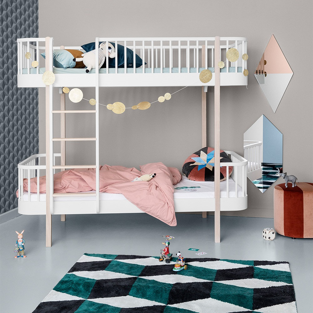 oliver furniture wood children 39 s luxury bunk bed in white oak oliver furniture cuckooland. Black Bedroom Furniture Sets. Home Design Ideas