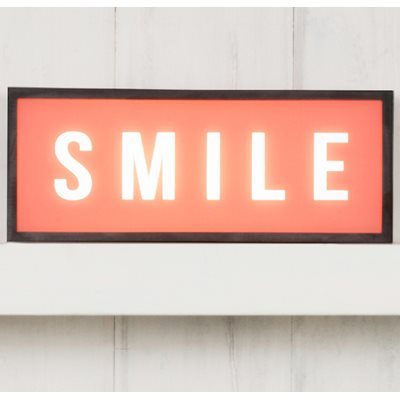 LIGHT BOX in Smile Design
