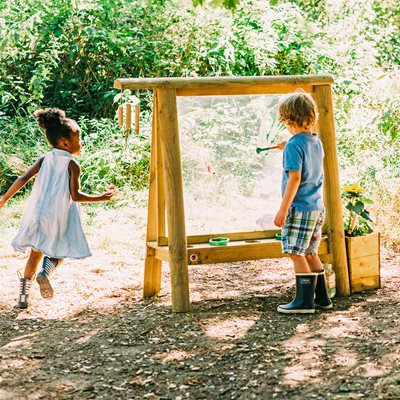 PLUM DISCOVERY CHILDREN'S OUTDOOR PAINT EASEL