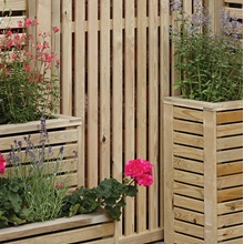 Outdoor-Garden-Screen-with-Slats-Down.jpg