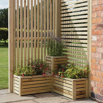 ROWLINSON GARDEN PLANTER & SCREEN CORNER SET
