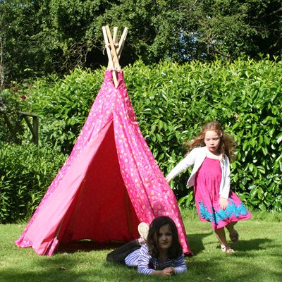 CHILDREN'S PINK OUTDOOR WIGWAM PLAY TENT by Garden Games