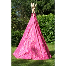 Pink-Heart-Wigwam-open-door-Garden-Games-closed.jpg
