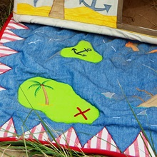 Pirate-Floor-Quilt-X-marks-the-spot-Win-Green.jpg
